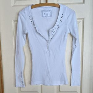 *Get it for💲2* White Embellished Henley Top